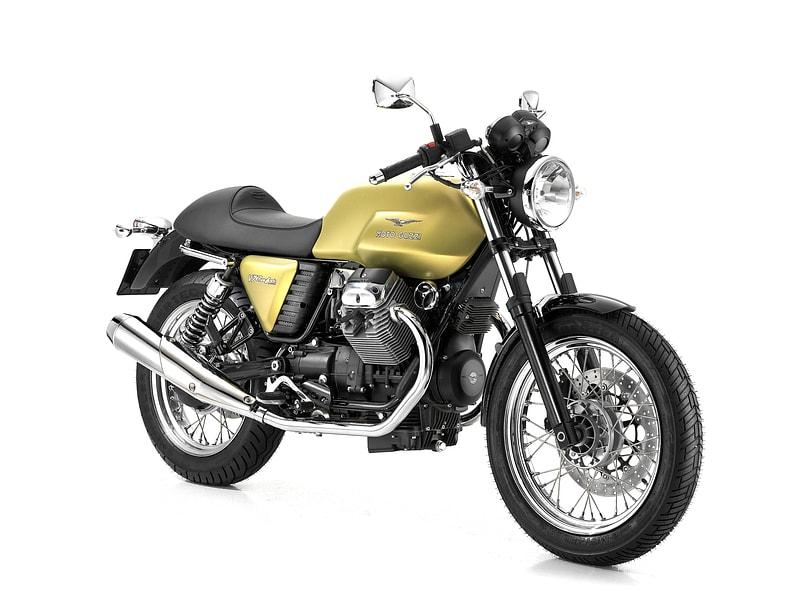 Moto Guzzi V7 Café Classic (2009 - 2013) motorcycle